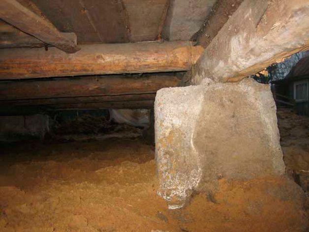 как высушить подполье в деревянном доме