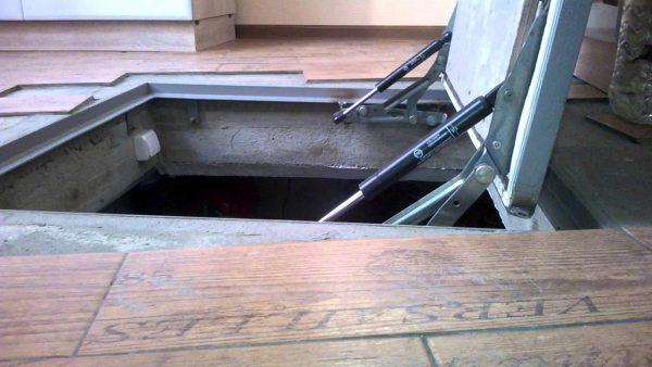 Как сделать люк в погреб фото 391