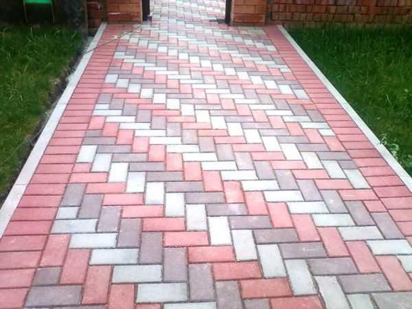 Укладка тротуарной плитки под ключ цена от 990 руб. в Москве и ... | 450x600